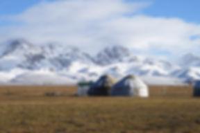 Kirgisistan Jurten im Schnee.jpg