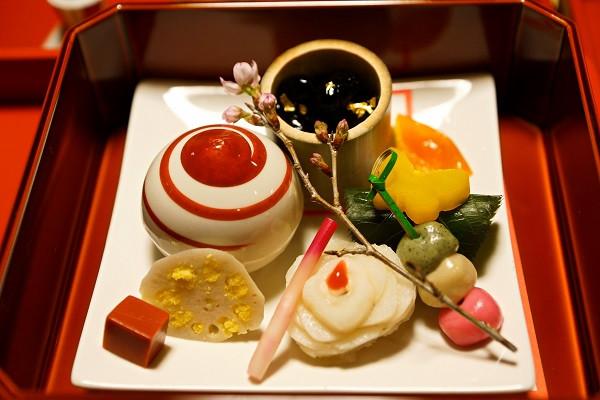 Kaiseki Ryori angerichtet auf einem Teller