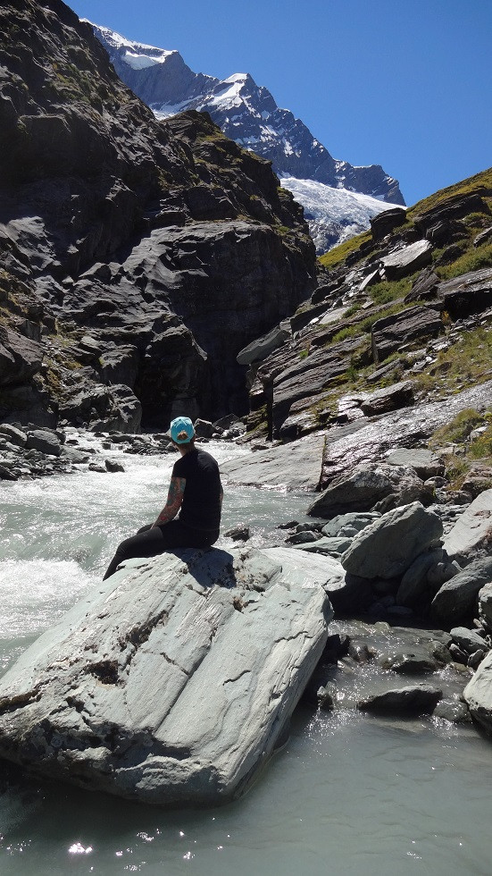 Kati blickt auf den Gletscher