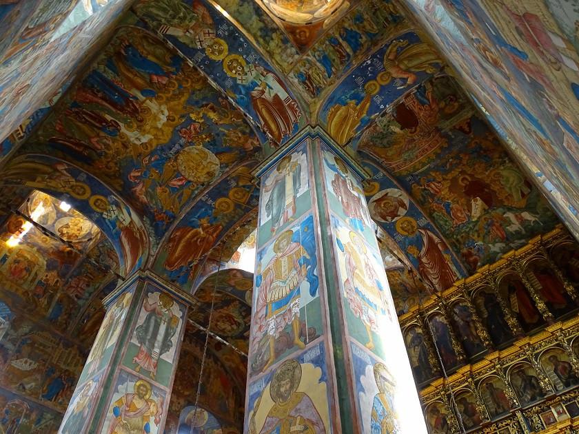 Beeindruckende Fresken im Innenbereich der Kirchen - Goldener Ring