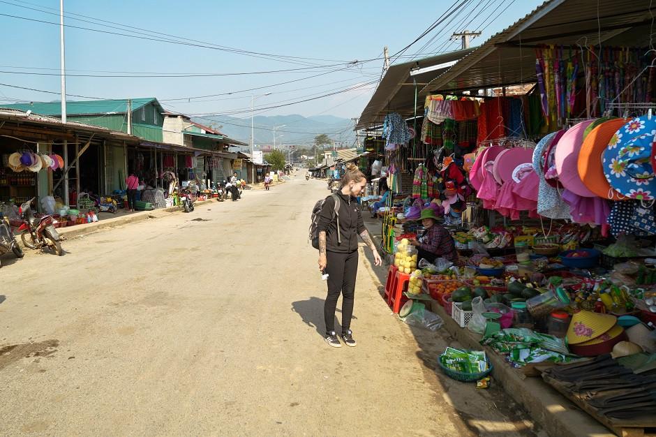 Lokaler Markt in der Mu Cang Chai Region