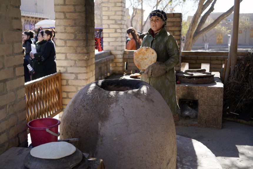 Frisches Brot in Usbekistan