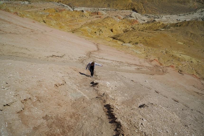 Steiler Aufstieg - Aktau berge - Altyn Emel Nationalpark
