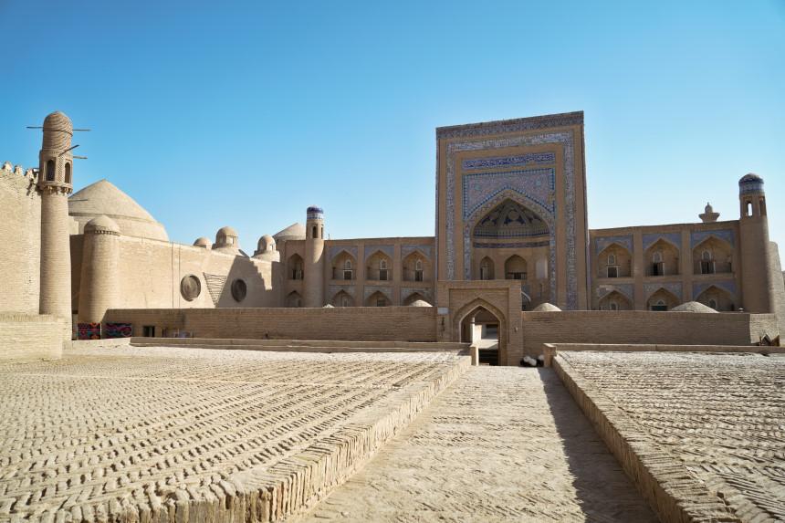 Historische Altstadt Khivas mit Blick auf Medresse
