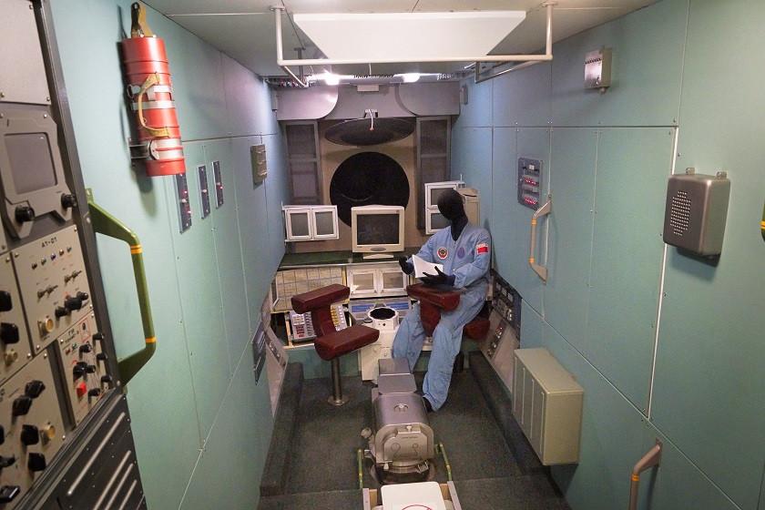 MIR Nachbau von innen - Kosmonautenmuseum in Moskau