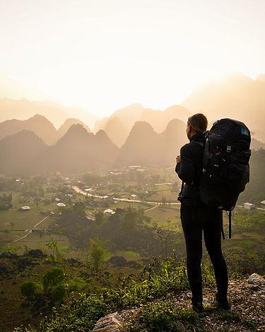 Blick-auf-vietnamesisches-Tal-im-Sonnenu