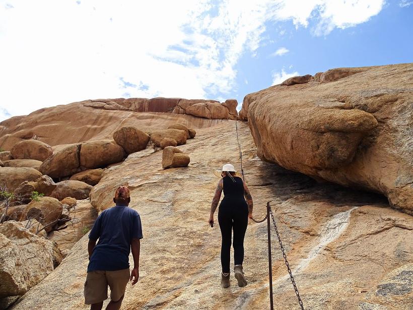 Auf dem Weg zu den Bushmans Paradise Höhlenmalereien - Namibia