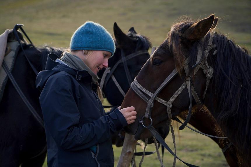 Kati mit einem Pferd