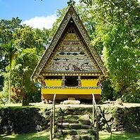 Traditionelles Haus auf Palau.jpg