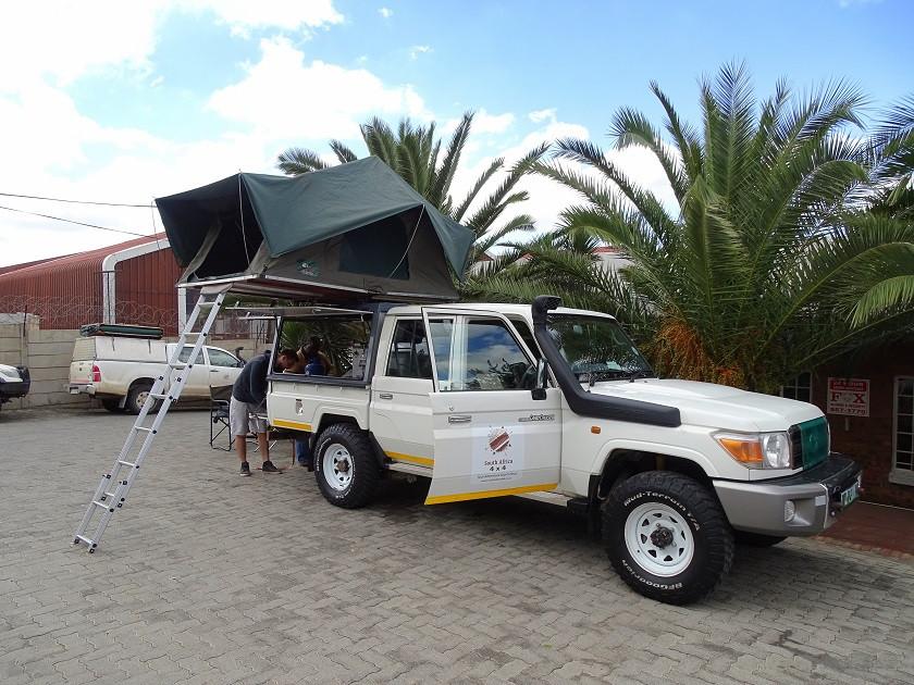 Toyota Landcruiser vollaugestattet für Camping