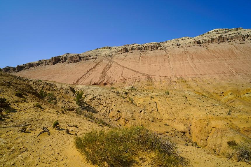 Unbefestigte Wege nach oben - Aktau Berge
