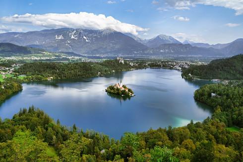 kirche im See bei Bled.jpg