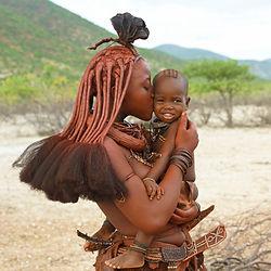 Namibia Reisekosten - Himba mit Kind in namibia.jpg