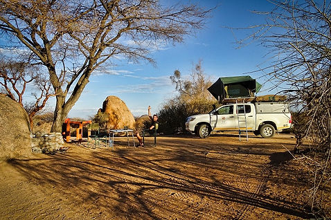 Camp an der Spitzkoppe in Namibia.jpg