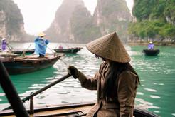Vietnamesische Frau mit Hut.jpg