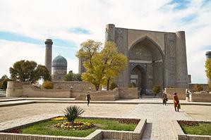 Bibi-Chanum-Moschee im Herbst.jpg