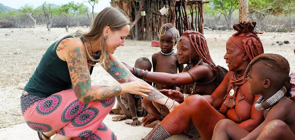 Kati und Himba.jpg