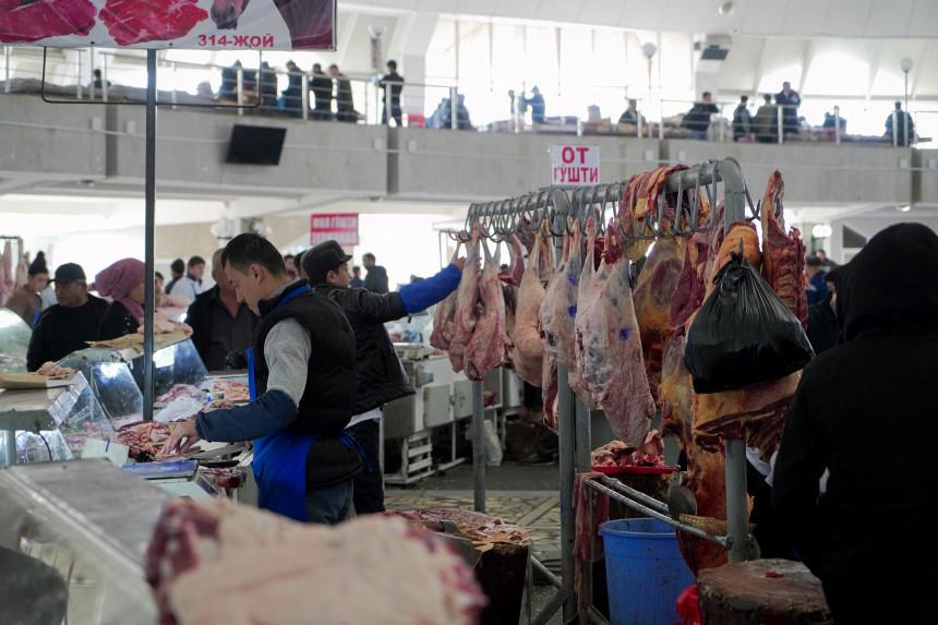 Frisches Fleisch auf dem Chorsu Basar