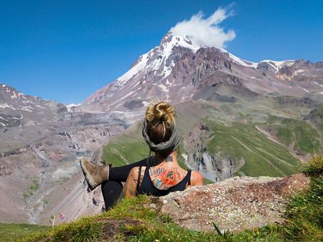 Stepantsminda: Wanderung zum Gergeti Gletscher
