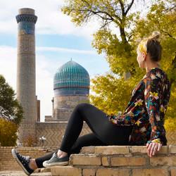 Usbekistan Reisekosten - kati blickt auf kuppeln in samarkand.jpg