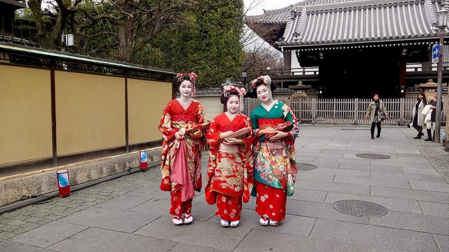 Umgestylte Touristen zur Maiko - Kyoto