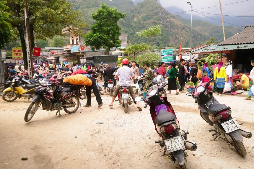Chaotischer Verkehr in Du Gia