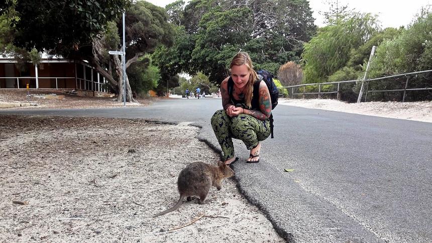 Kati mit kleinem Quokka - Rottnest Island