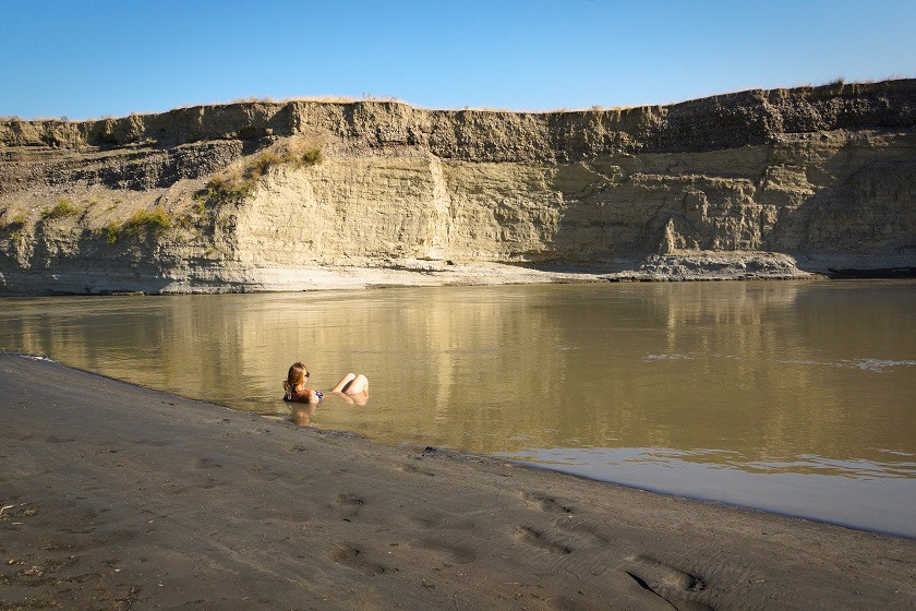 Abkühlung im Alasani Grenzfluss - Waschlowani Nationalpark