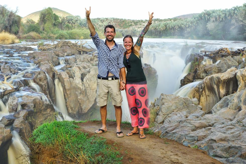 Kati und Hermann an den epupa falls nami