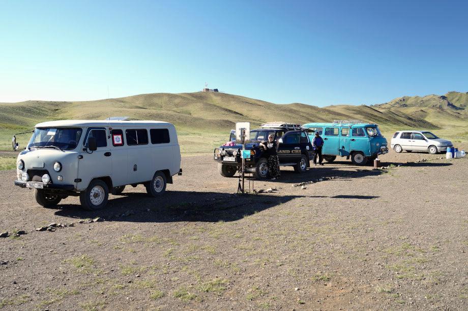 Verschiedene_fahrzeuge_der_touranbieter_mongolei