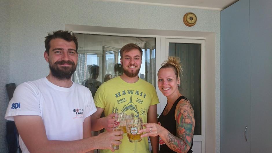 Wir mit unsem Couchsurfing Host in der Urkaine