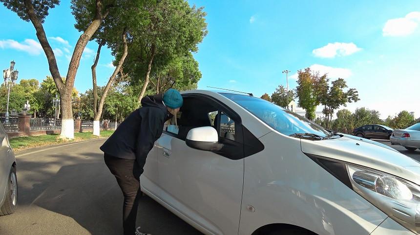 Autos anhalten in Usbekistan