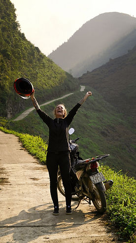 Kati mit motorrad in Vietnam.jpg
