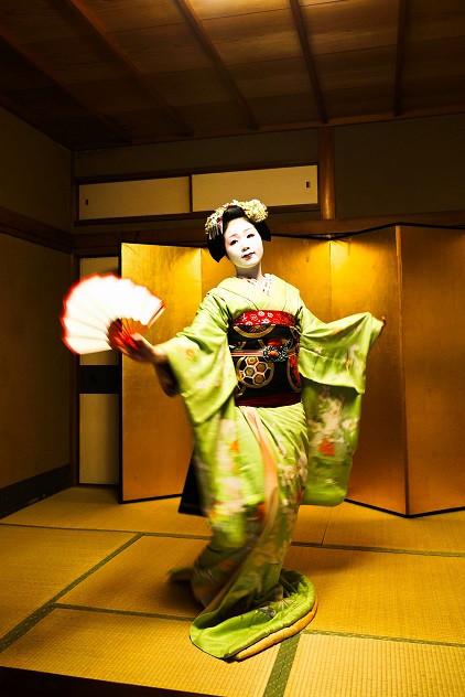 Traditioneller Tanz einer Maiko - Kyoto