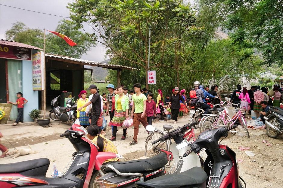 Markttag in Du Gia