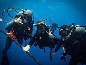 Kati und Hermann tauchen auf Palau.jpg