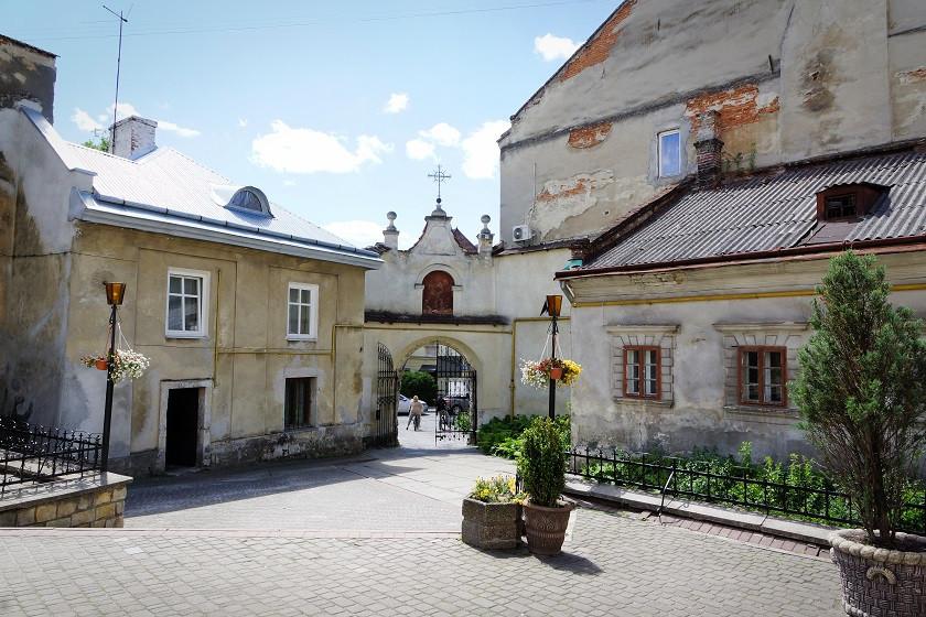 Eingang ins Benediktiner Kloster- Lviv