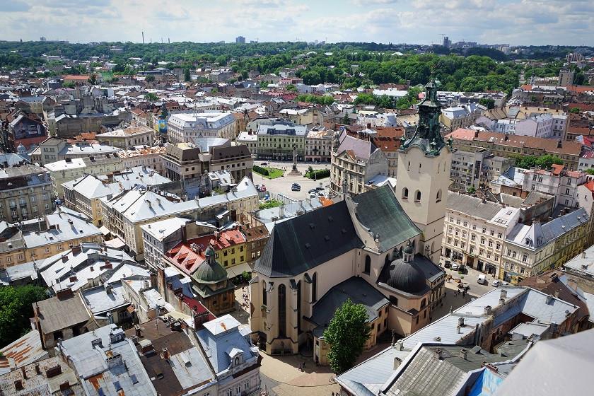 Aussicht vom Rathausturm in Lviv