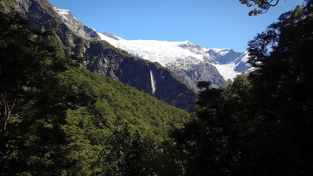 Rob Roy Gletscher mit Wasserfall