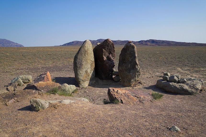Steindenkmal zu Ehren Dschingis Khans - Altyn Emel Nationalpark