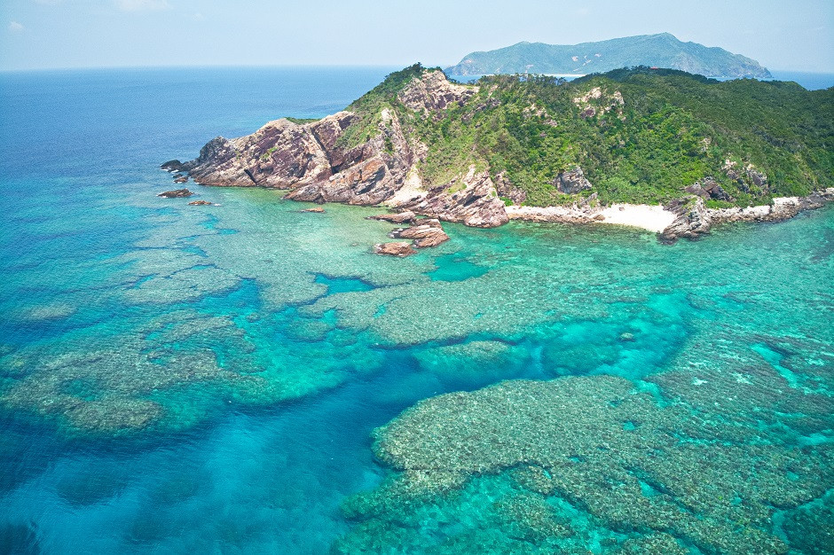 Inseln rund um Aka Island