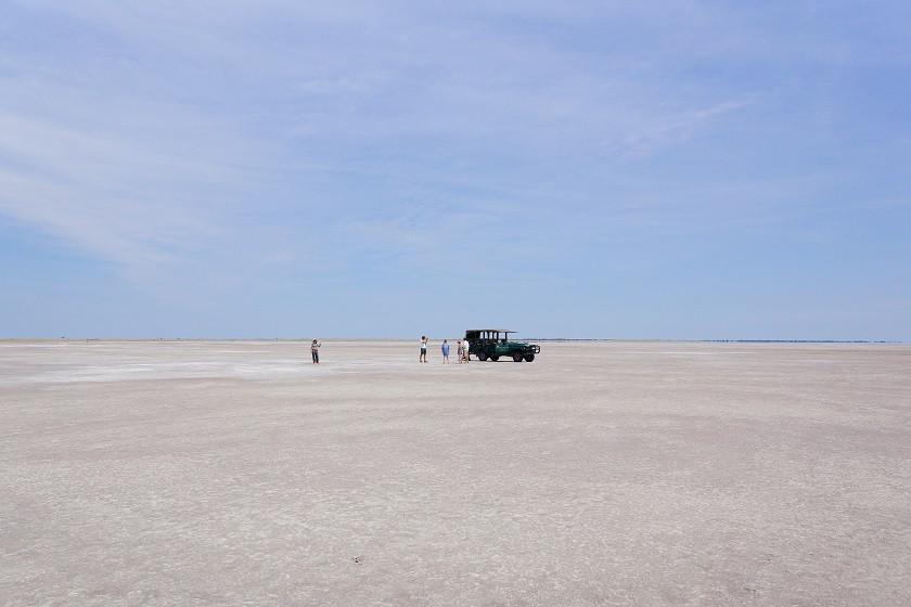 Mitten in der Ntwetwe Pan - Makgadikgadi Nationalpark