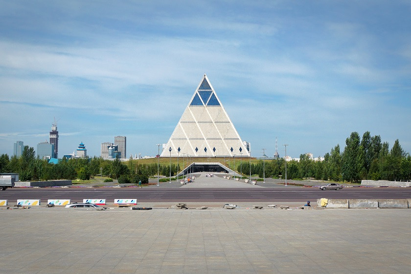 Pyramide des Friedens und der Eintracht - Astana