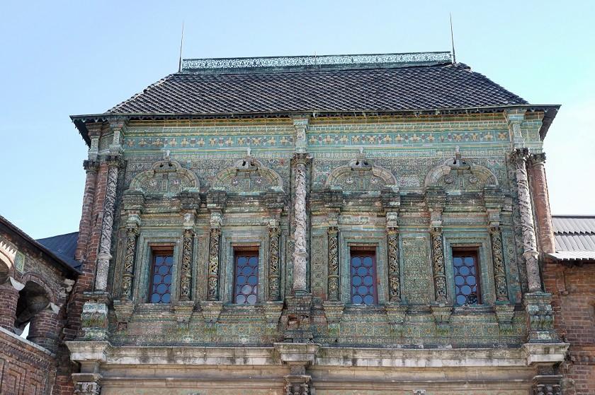 Ornamente und Verzierungen am der Maria Himmelfahrt Kirche zu Krutizky