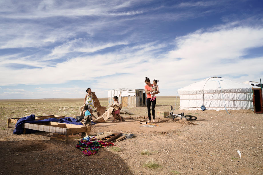 Mongolische_Familie_im_Gercamp