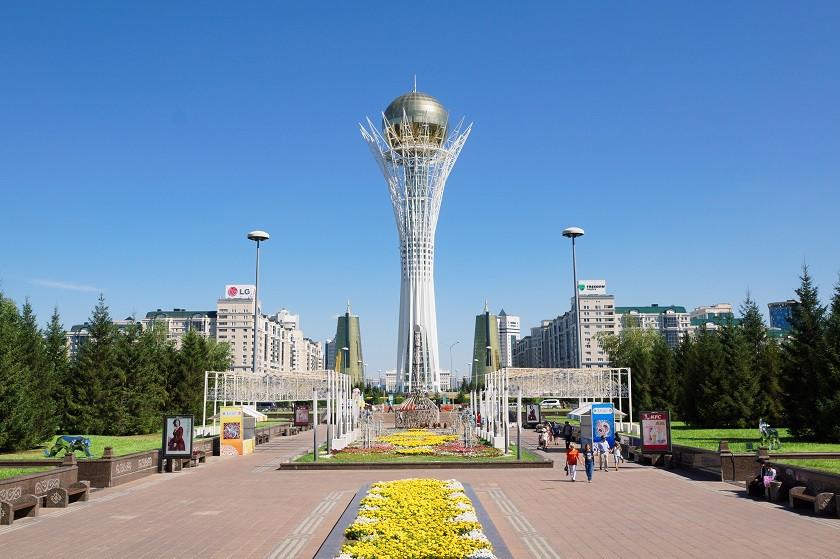 Nuzhol Boulevard & Bajterek Turm