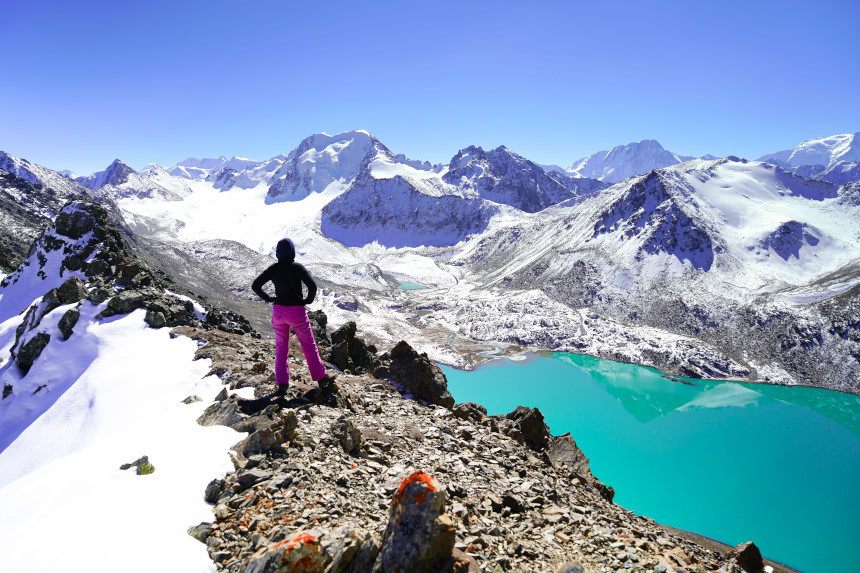 Kati vor Ala Kul See in Kirgisistan
