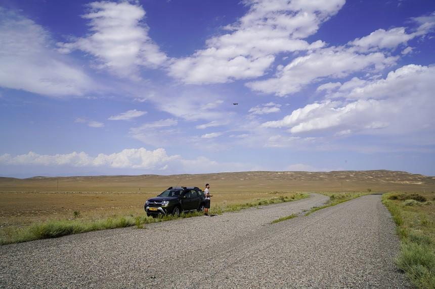 Hermann mit Drohne in Kasachstan