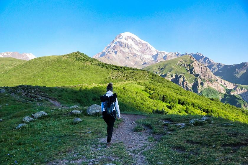 Start der Wanderung zum Gergeti Gletscher