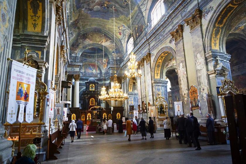 Typische Kirche in Lviv